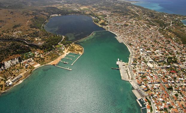 argostoli port kefalonia